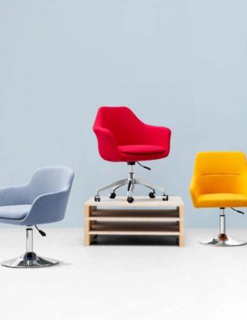 כיסאות חדשים