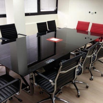 שולחן ישיבות זכוכית X LEG